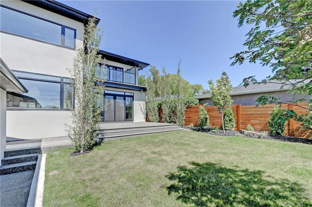 Photo 39: Photos: 24 LORNE Place SW in Calgary: North Glenmore Park Detached for sale : MLS®# C4225479