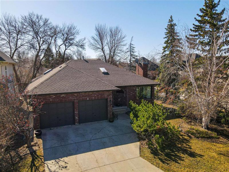 FEATURED LISTING: 118 Normand Park Drive Winnipeg