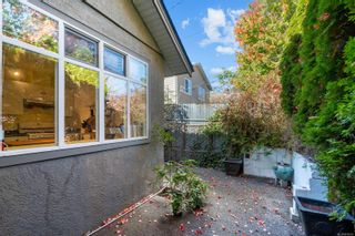 Photo 4: 3108 Steele St in : Vi Burnside House for sale (Victoria)  : MLS®# 858265
