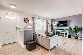 Photo 5: 104 Westwood Drive SW in Calgary: Westgate Detached for sale : MLS®# A1127082