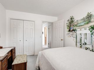 Photo 32: 54 Signature Close SW in Calgary: Signal Hill Detached for sale : MLS®# A1124573