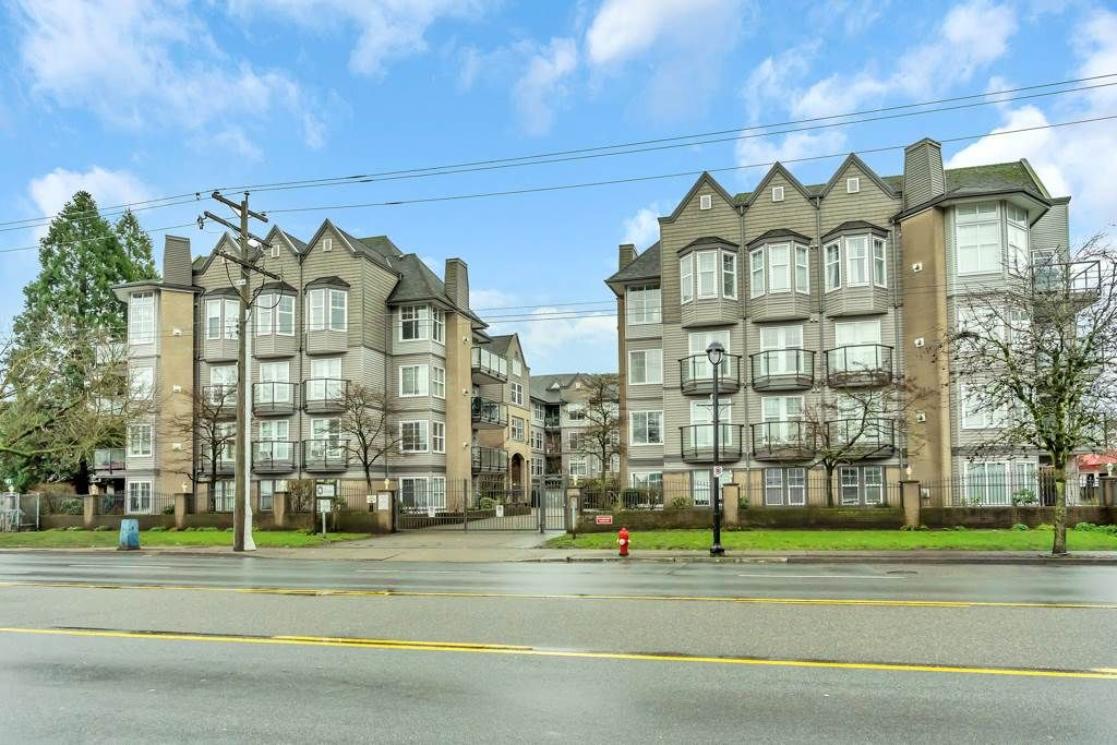 "Main Photo: 321 20200 56 Avenue in Langley: Langley City Condo for sale in ""THE BENTLEY"" : MLS®# R2526223"