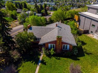 Photo 2: 1927 Briar Crescent NW in Calgary: Hounsfield Heights/Briar Hill Detached for sale : MLS®# A1065681