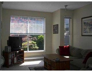 """Photo 3: 11 877 W 7TH AV in Vancouver: Fairview VW Townhouse for sale in """"EMERALD COURT"""" (Vancouver West)  : MLS®# V601474"""