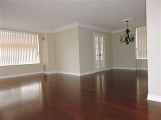 Photo 4: 711 35 Kingsbridge Garden Circle in Mississauga: Hurontario Condo for sale : MLS®# W3220154