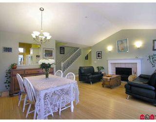 "Photo 3: 21 20788 87TH Avenue in Langley: Walnut Grove Townhouse for sale in ""KENSINGTON VILLAGE"" : MLS®# F2830864"