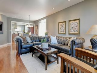 Photo 3: 147 Cambridge St in : Vi Fairfield West House for sale (Victoria)  : MLS®# 885266