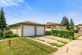 Photo 2: 8829 74 Street in Edmonton: Zone 18 House for sale : MLS®# E4260405