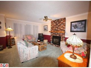 Photo 2: 8961 145TH Street in Surrey: Bear Creek Green Timbers House for sale : MLS®# F1101949