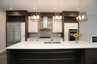 Photo 7: 2003 28 Avenue SW in Calgary: South Calgary Semi Detached for sale : MLS®# A1119479