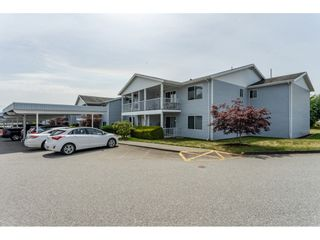 """Photo 1: 211 32691 GARIBALDI Drive in Abbotsford: Abbotsford West Townhouse for sale in """"CARRIAGE LANE"""" : MLS®# R2418995"""
