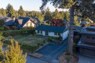 Photo 32: 965 BEAUMONT Drive in North Vancouver: Edgemont House for sale : MLS®# R2624946