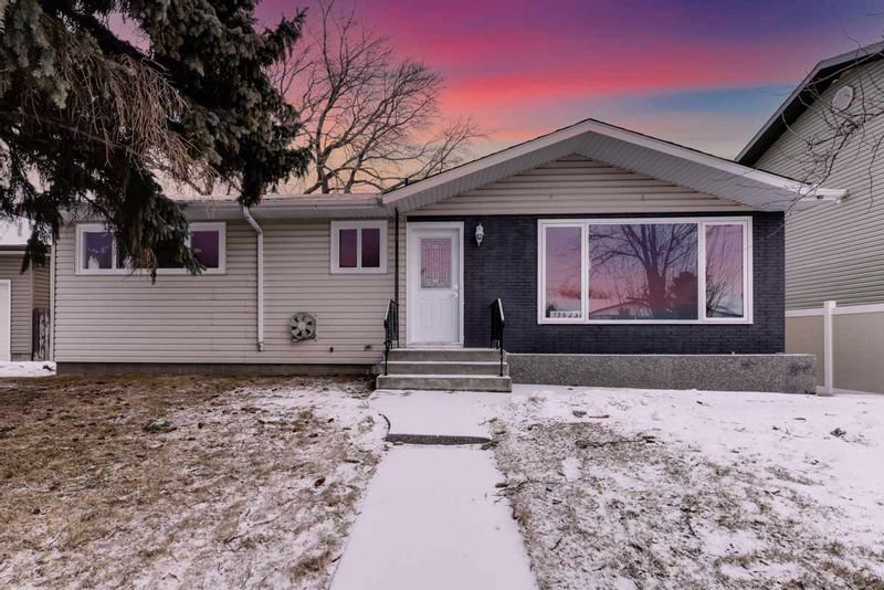 FEATURED LISTING: 13623 137 Street Edmonton