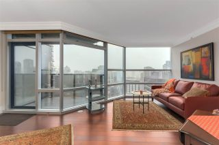 """Photo 4: 2007 1050 BURRARD Street in Vancouver: Downtown VW Condo for sale in """"Wall Centre"""" (Vancouver West)  : MLS®# R2324699"""