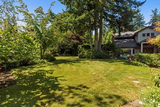 """Photo 4: 2683 NORTHCREST Drive in Surrey: Sunnyside Park Surrey House for sale in """"Woodshire Park"""" (South Surrey White Rock)  : MLS®# R2185453"""