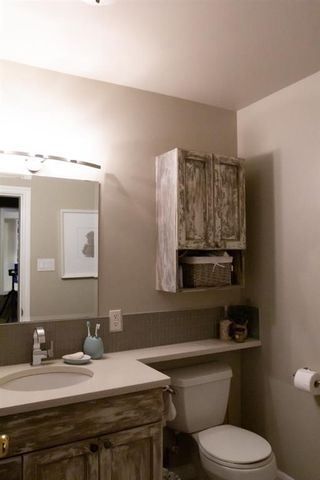 Photo 11: 32A Wellington Place SW in Calgary: Wildwood Semi Detached for sale : MLS®# A1117733