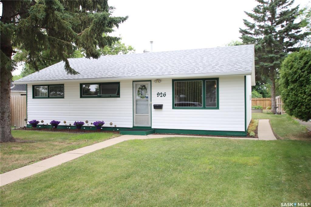 Main Photo: 926 U Avenue North in Saskatoon: Mount Royal SA Residential for sale : MLS®# SK866666