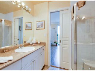 """Photo 16: 404 1785 MARTIN Drive in Surrey: Sunnyside Park Surrey Condo for sale in """"SOUTHWYND"""" (South Surrey White Rock)  : MLS®# F1412611"""