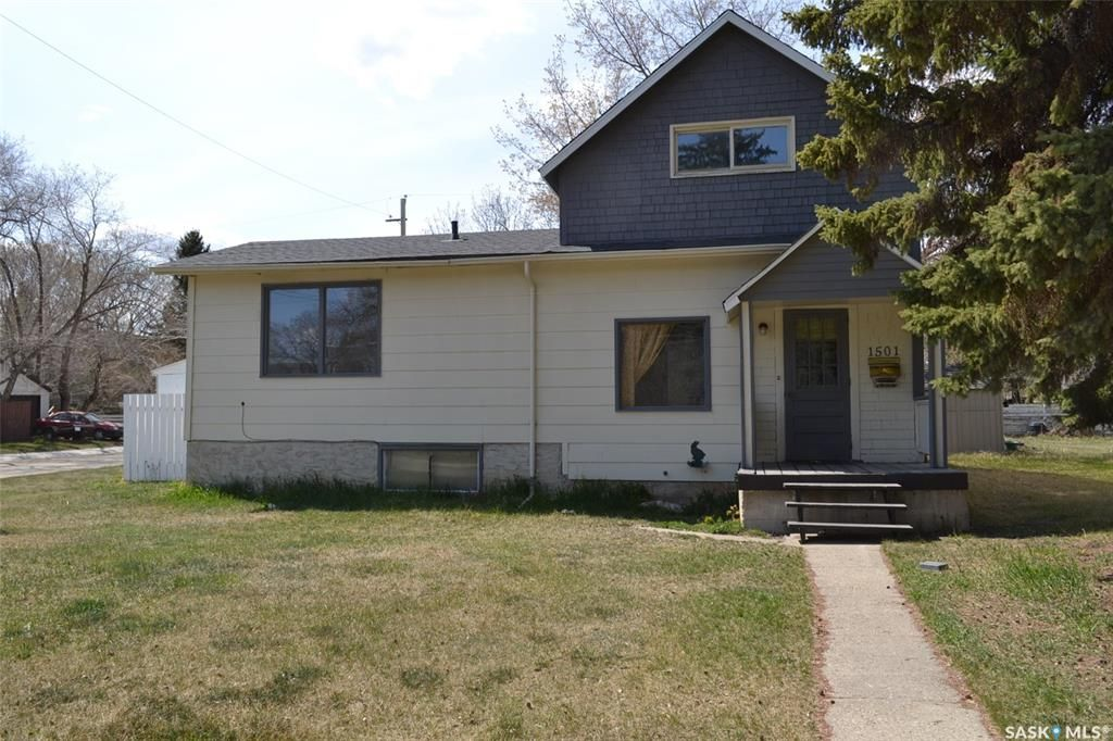 Main Photo: 1501 2nd Avenue North in Saskatoon: Kelsey/Woodlawn Residential for sale : MLS®# SK771298