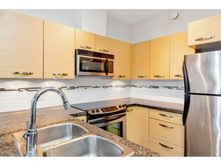 Photo 8: 420 33539 HOLLAND Avenue in Abbotsford: Central Abbotsford Condo for sale : MLS®# R2515308
