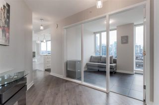 Photo 12: 1906 918 Cooperage Way in Vancouver: Yaletown Condo for sale (Vancouver West)  : MLS®# R2539627