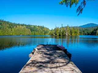 """Photo 33: 13702 CAMP BURLEY Road in Garden Bay: Pender Harbour Egmont House for sale in """"Mixal Lake"""" (Sunshine Coast)  : MLS®# R2485235"""