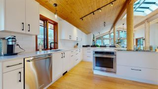 """Photo 8: 2843 CLIFFTOP Lane in Whistler: Bayshores House for sale in """"Bayshores"""" : MLS®# R2567682"""