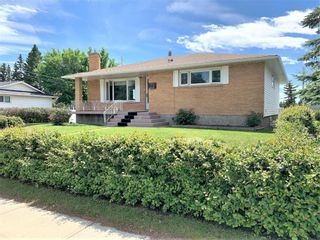 Main Photo: 4924 Nesbitt Road NW in Calgary: North Haven Detached for sale : MLS®# A1118810