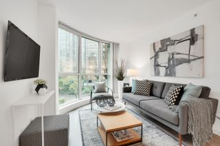"""Photo 5: 908 588 BROUGHTON Street in Vancouver: Coal Harbour Condo for sale in """"HARBOURSIDE TOWER 1"""" (Vancouver West)  : MLS®# R2610218"""