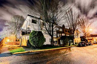 Photo 2: 205 7165 133 Street in Surrey: West Newton Townhouse for sale : MLS®# R2123385