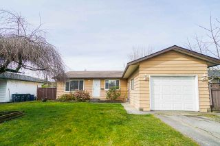 Photo 1: 6025 175A Avenue in Surrey: Cloverdale BC House for sale (Cloverdale)  : MLS®# R2552396