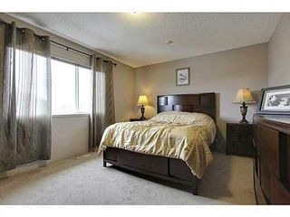 Photo 9: 228 WESTPOINT Gardens SW in Calgary: 2 Storey for sale : MLS®# C3555793
