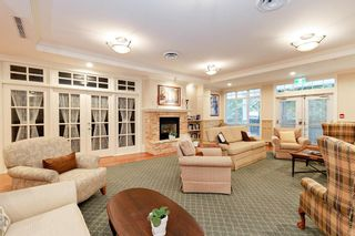 """Photo 16: 205 960 LYNN VALLEY Road in North Vancouver: Lynn Valley Condo for sale in """"Balmoral House"""" : MLS®# R2502603"""