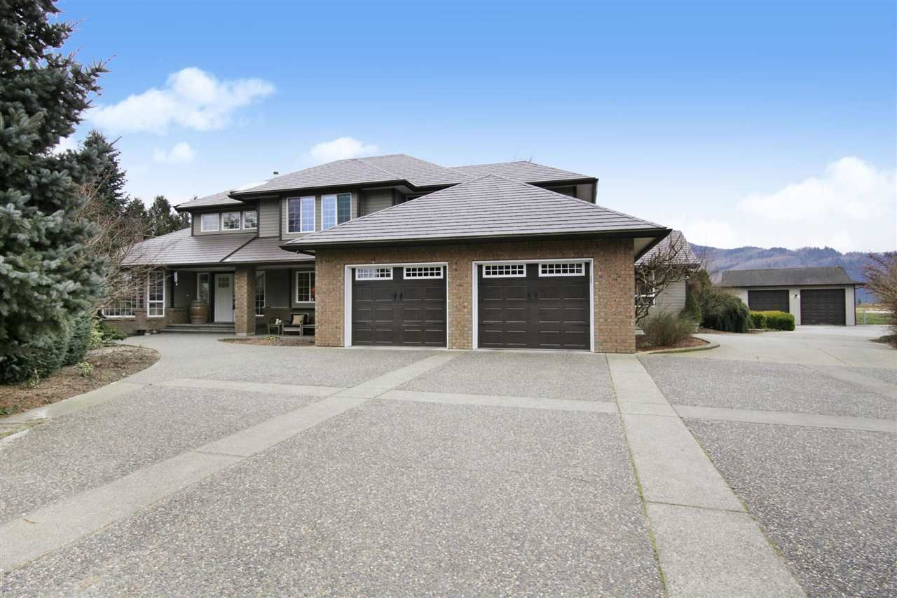 Main Photo: 49294 CHILLIWACK CENTRAL Road in Chilliwack: East Chilliwack House for sale : MLS®# R2584431