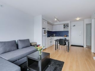 "Photo 1: 803 131 REGIMENT Square in Vancouver: Downtown VW Condo for sale in ""SPECTRUM 3"" (Vancouver West)  : MLS®# R2072638"