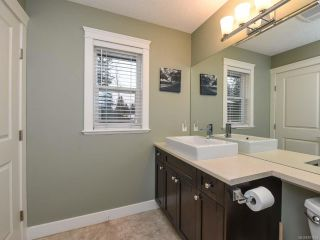 Photo 8: 13 2112 Cumberland Rd in COURTENAY: CV Courtenay City Row/Townhouse for sale (Comox Valley)  : MLS®# 831263