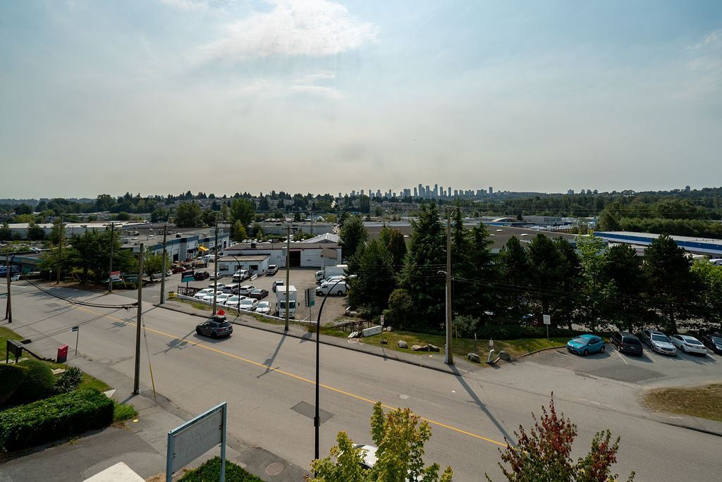 Photo 23: Photos: 402 2232 DOUGLAS ROAD in Burnaby: Brentwood Park Condo for sale (Burnaby North)  : MLS®# R2495564