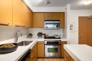 "Photo 11: 1006 2770 SOPHIA Street in Vancouver: Mount Pleasant VE Condo for sale in ""STELLA"" (Vancouver East)  : MLS®# R2624797"