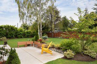 Photo 35: 2075 Neil St in : OB Henderson House for sale (Oak Bay)  : MLS®# 861427