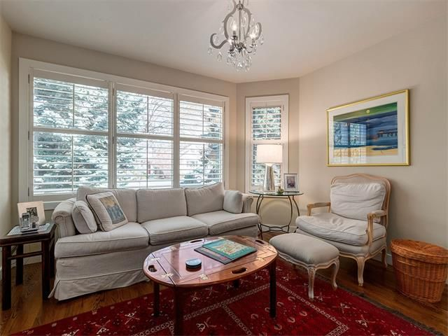 Photo 5: Photos: 309 16 Street NW in Calgary: Hillhurst House for sale : MLS®# C4005350