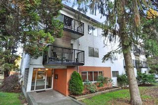 """Main Photo: 54 2002 ST JOHNS Street in Port Moody: Port Moody Centre Condo for sale in """"PORT VILLAGE"""" : MLS®# R2471897"""