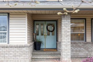 Photo 3: 22369 47A Avenue in Langley: Murrayville House for sale : MLS®# R2541890