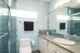 Photo 11: 531 SAN REMO Drive in Port Moody: North Shore Pt Moody House for sale : MLS®# R2090867