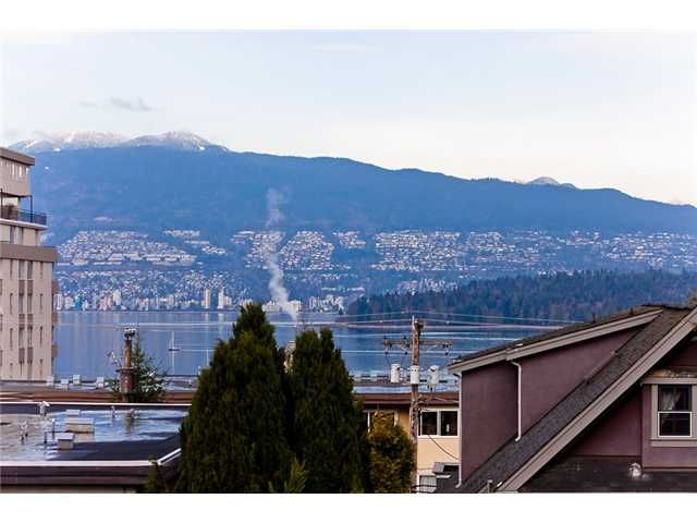 Main Photo: 406 2250 W 3RD Avenue in Vancouver: Kitsilano Condo for sale (Vancouver West)  : MLS®# V985738