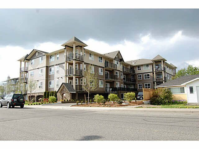 """Main Photo: 310 46053 CHILLIWACK CENTRAL Road in Chilliwack: Chilliwack E Young-Yale Condo for sale in """"THE TUSCANY"""" : MLS®# H2151912"""