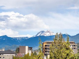 "Photo 11: 8 1261 MAIN Street in Squamish: Downtown SQ Townhouse for sale in ""Skye"" : MLS®# R2351881"