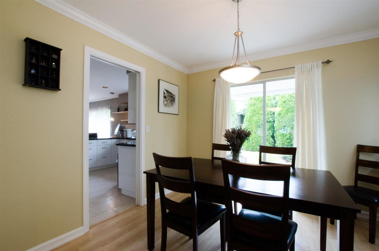 """Photo 5: Photos: 6159 45 Avenue in Delta: Holly House for sale in """"Sunrise"""" (Ladner)  : MLS®# R2284913"""