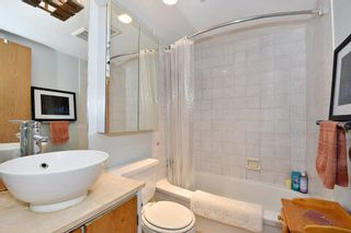 """Photo 12: 204 1549 KITCHENER Street in Vancouver: Grandview VE Condo for sale in """"Dharma Digs"""" (Vancouver East)  : MLS®# R2251865"""