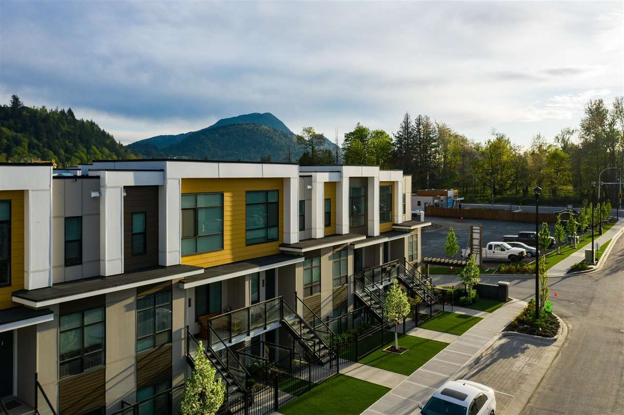 Main Photo: 231 46150 THOMAS Road in Chilliwack: Sardis West Vedder Rd Townhouse for sale (Sardis)  : MLS®# R2586094