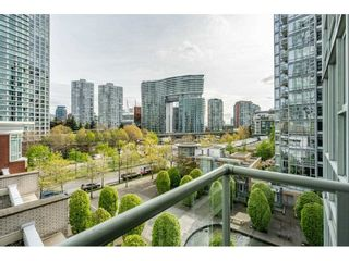 "Photo 14: 607 1077 MARINASIDE Crescent in Vancouver: Yaletown Condo for sale in ""Marinaside Resort"" (Vancouver West)  : MLS®# R2573754"